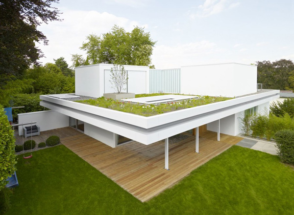 The distinct and simple rooftop garden of house s home for Minimalismus haus tour