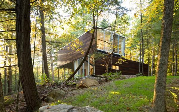 Lakeside Retreat home design