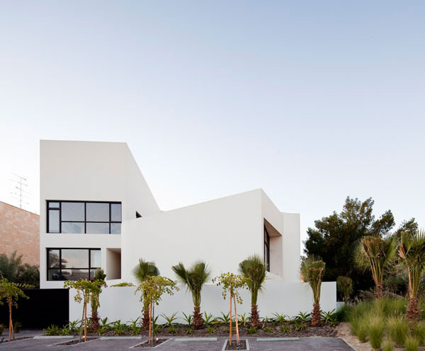 The Captivating Mop House in Kuwait | Home Design Lover