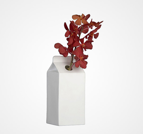 15 Unique White Vases For A Simple And Minimal Accent Home Design
