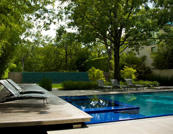The inspiring dallas house in the garden in texas usa for Garden pool nullagine