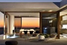 the chic harborview hills house in california