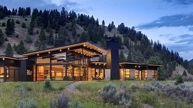 The Extravagant Views In The River Bank House In Big Sky Montana Home Desi