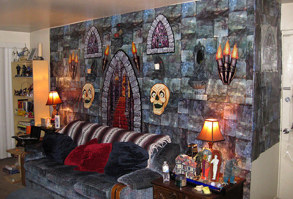 15 spooky halloween home decorations home design lover. Black Bedroom Furniture Sets. Home Design Ideas