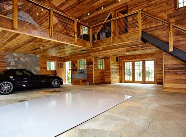 Every man 39 s dream structure a creative and luxurious for How to build a mezzanine floor in a garage