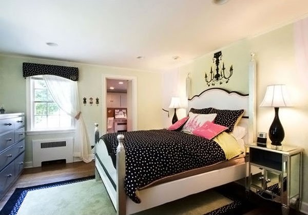 ModGlam bedroom for teen