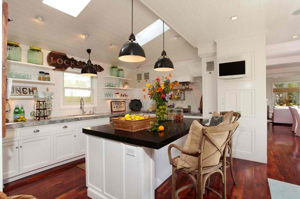 15 wonderfully made vintage kitchen designs home design for Old kitchen ideas