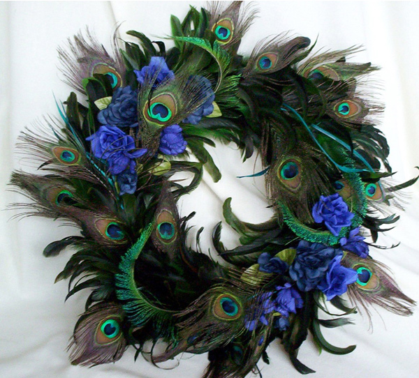 15 one of a kind wreath designs for the christmas season for Peacock feather decorations home
