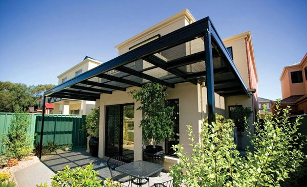 15 Designs Of Pergolas To Shade Seating Areas Home Design Lover: sleek homes that are unapologetically modern