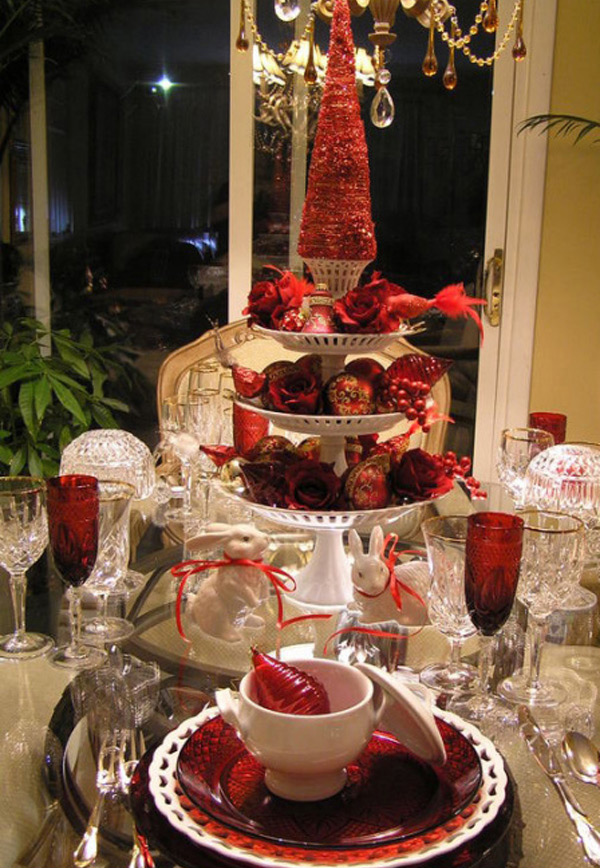 Non Traditional Colors & 20 Christmas Table Setting Design Ideas | Home Design Lover