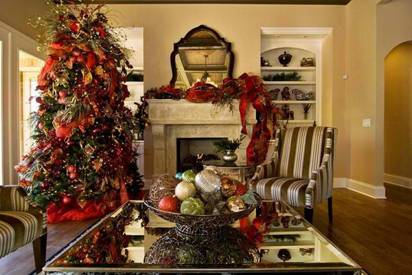15 christmas decorated living rooms home design lover - How to decorate living room for christmas ...