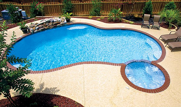 15 remarkable free form pool designs home design lover for 16x32 pool design