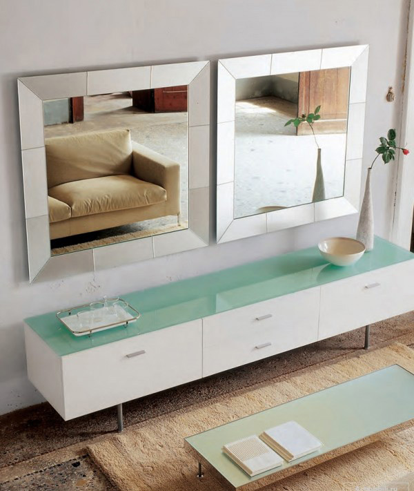 Modern Mirror Regal Design
