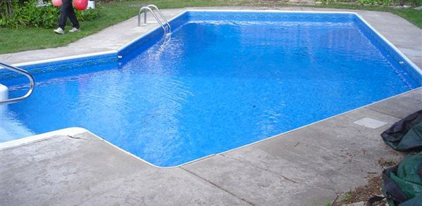 neat swimming pool