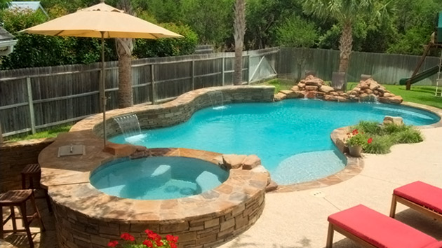 Get to know the 10 different shapes of swimming pools for Florida house plans with pool