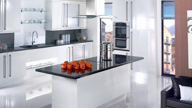 17 white and simple high gloss kitchen designs home for Shiny white kitchen cabinets