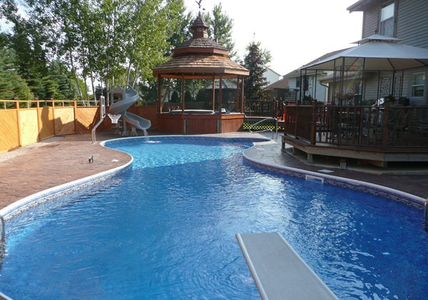 20 Figure 8 Shaped Swimming Pool Designs | Home Design Lover