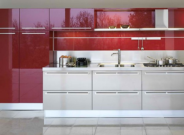15 high gloss kitchen designs in bold color choices home for Red high gloss kitchen doors