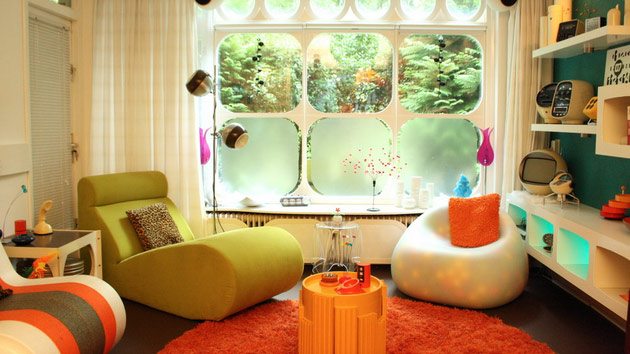 15 awesome retro inspired living rooms home design lover for Apartment design retro