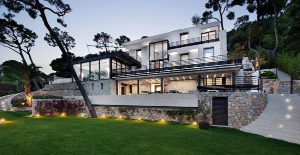 The Staggering Bayview Villa in Villefranche-sur-Mer, Côte d\'Azur ...