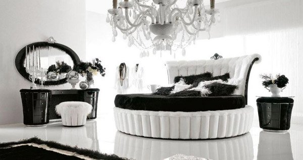 Elegant Black and White Room Design