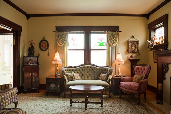 15 wondrous victorian styled living rooms home design lover for Victorian style room