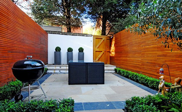 15 modern and contemporary courtyard gardens in the city for Contemporary courtyard garden designs