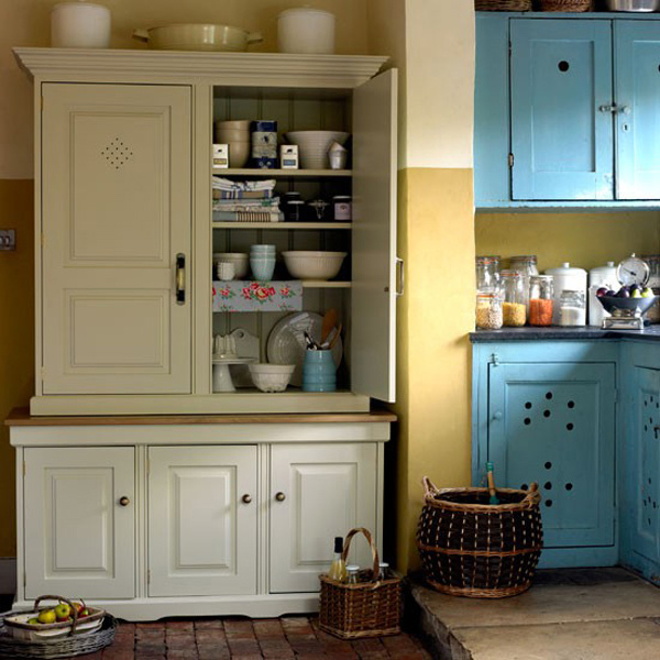 Fabulous 15 Classic to Modern Kitchen Pantry Ideas | Home Design Lover YA61