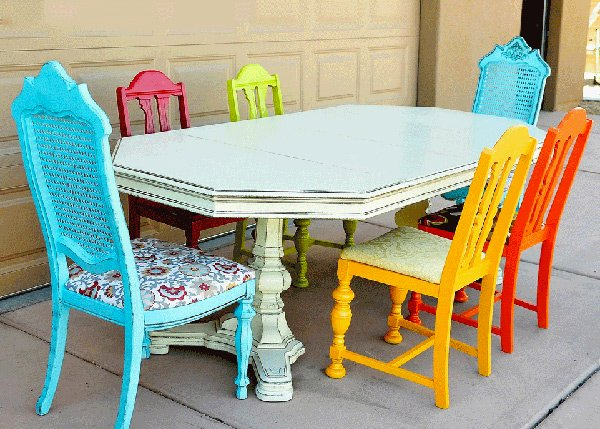 A Burst of Colors from 20 Dining Sets with Multi Colored  : 15 all things from homedesignlover.com size 600 x 429 jpeg 79kB
