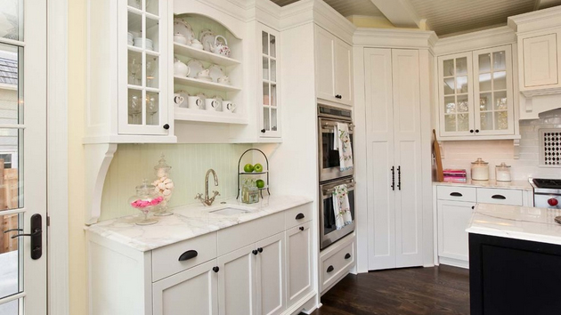 15 classic to modern kitchen pantry ideas home design lover - Kitchen Pantries