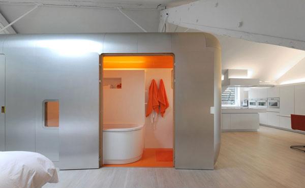 orange light bathroom