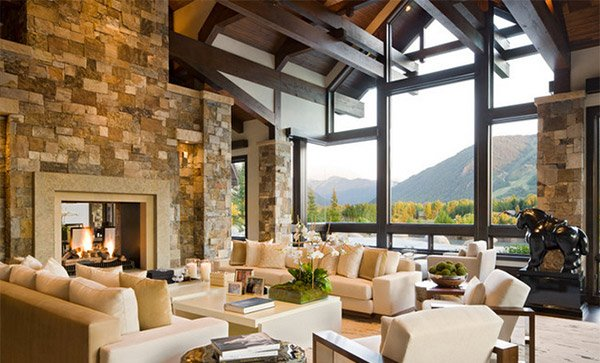 15 living rooms with exposed beams home design lover for Grandi case in stile ranch
