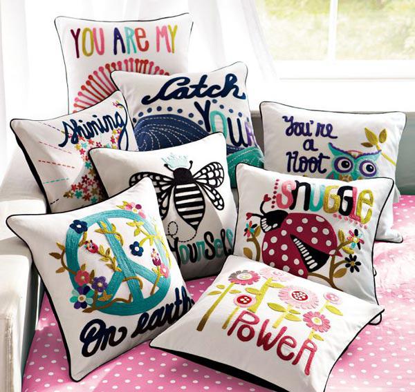20 Modern Throw Pillows