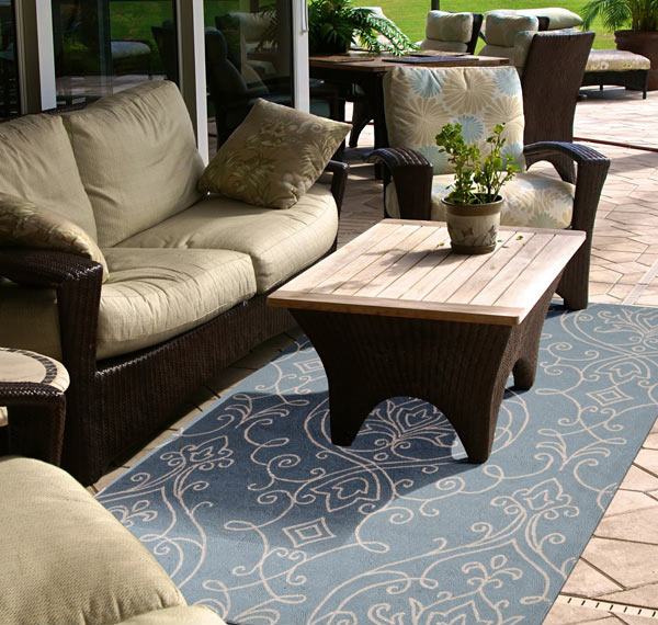 Rain Sky Hand Hooked Indoor/Outdoor Rug