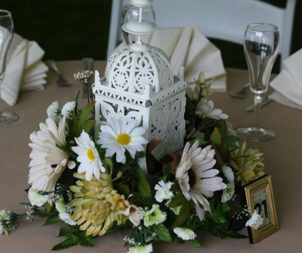 White Metal Lantern Wedding Table Centerpieces