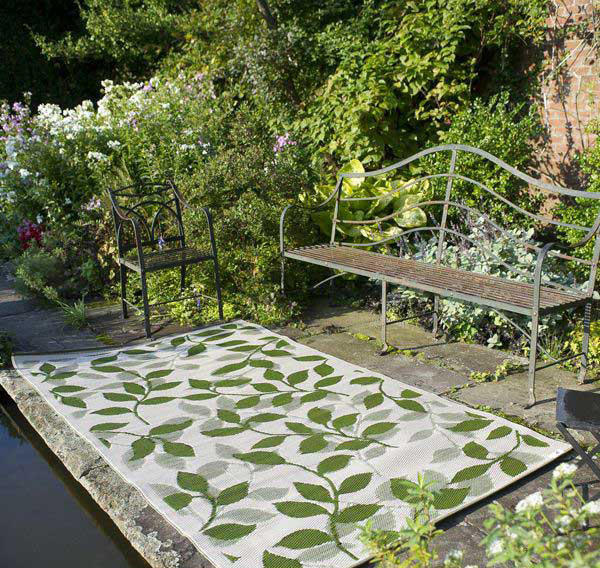 Forest Green and Cream Outdoor Rug