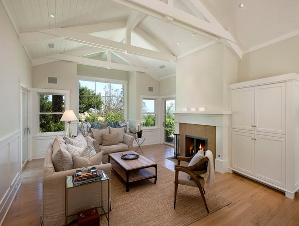 18 living room designs with vaulted ceiling home design for Half vaulted ceiling with beams