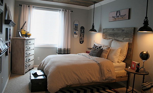 15 Pallet Ideas For Beds And Headboards