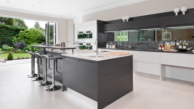 20 astounding grey kitchen designs home design lover for Black white and gray kitchen design