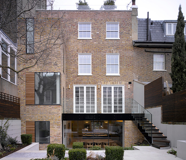 Lateral house a contemporary home extension in london for Modern house london