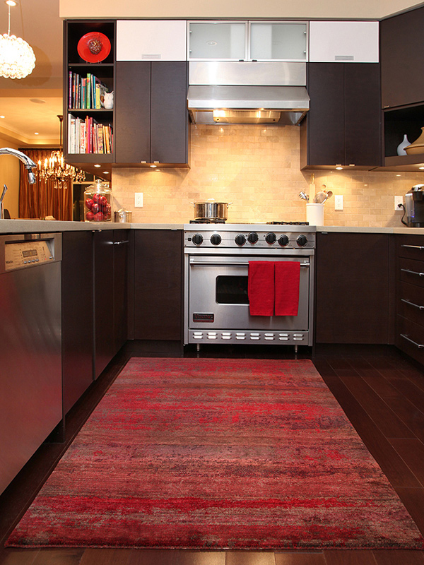 15 Area Rug Designs in Kitchens | Home Design Lover