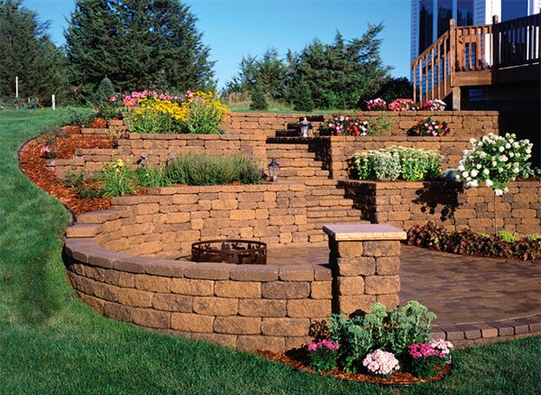 15 Landscape Retaining Walls To Prevent Erosion | Home Design Lover