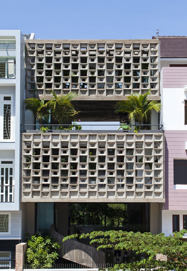Binh Thanh House in Vietnam: Modern and Natural Life Compatibility