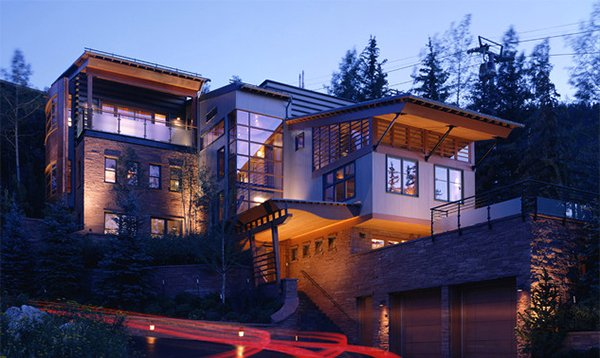 15 modern contemporary homes on a hill home design lover - What is a contemporary home ...