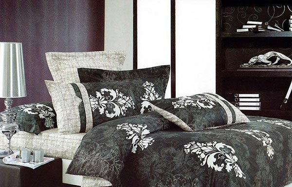 Black And White Bedding Set