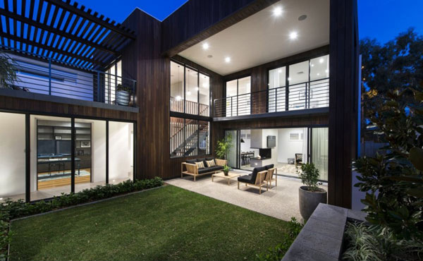 The sustainable warehouse in australia home design lover for Warehouse style house plans