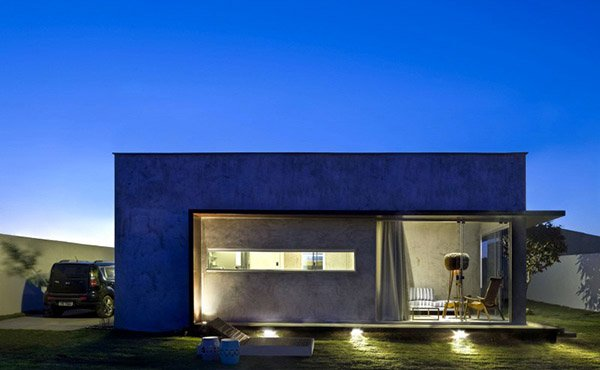 A Small, Simple and Sophisticated Rectangular Box House | Home ...