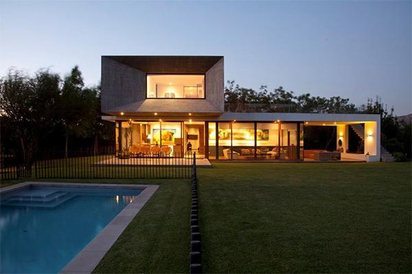 urzua cofre modern box house