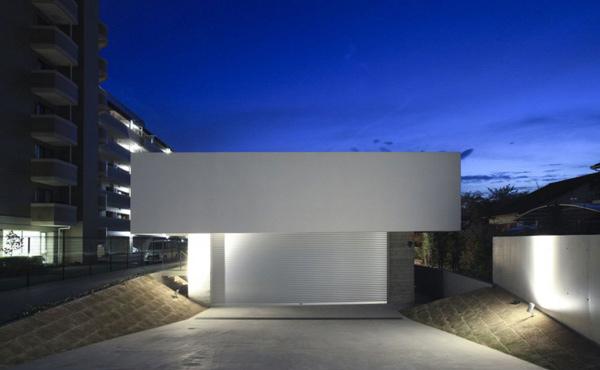 Flat House Exterior