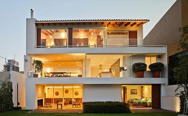 Encinos II House